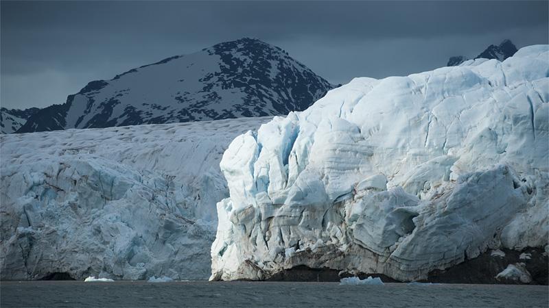 solbelyst isberg